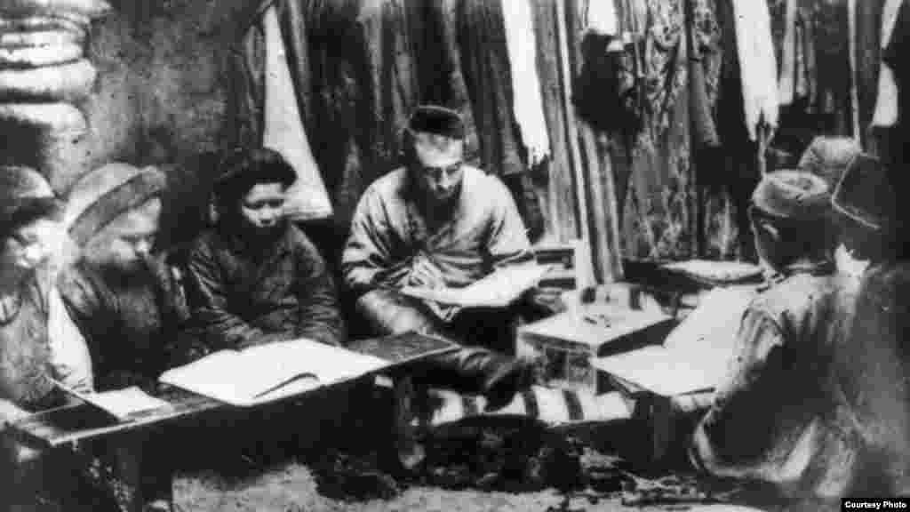 Аульная школа. Конец 19-го— начало 20-го века.