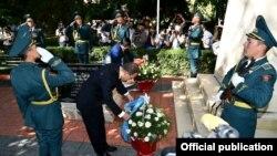 2010-жылкы июнь коогалаңында курман болгондорду эскерүү.