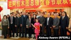 В генеральном консульстве Китая в Алматы. 7 февраля 2013 года.