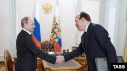 Р. Абдулатипов на встрече с В. Путиным