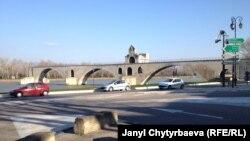 Город Авиньон, юг Франции