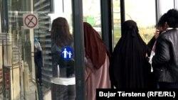 Disa nga gratë e kthyera nga Siria në Kosovë