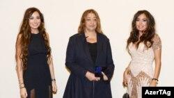 Arzu Əliyeva, Zaha Hadid və Leyla Əliyeva Heydər Əliyev Mərkəzinin təqdimatında (Foto: AzerTag)