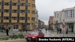 Najveći problem je da država ne pokazuje spremnost za integraciju Albanaca u državne javne institucije, tvrde u tri većinski albanske opštine na jugu Srbije: Preševo
