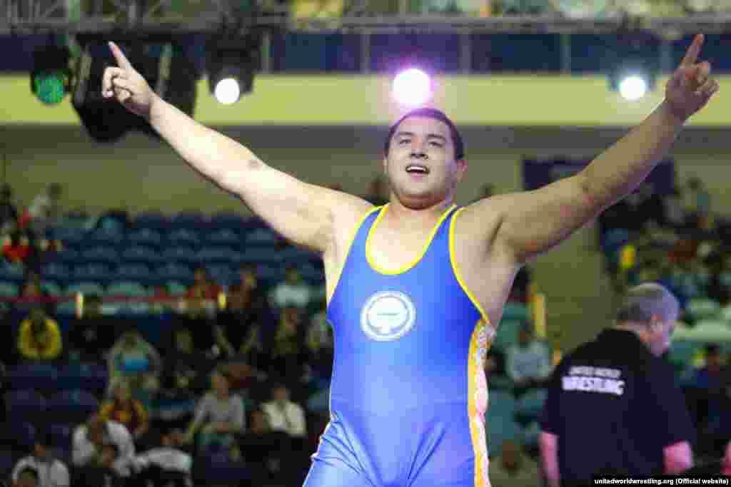 Борец греко-римского стиля Мурат Рамонов выступал в категории до 130 килограммов. До финала он победил соперников из Таджикистана, Узбекистана, но в финале уступил борцу из Казахстана. По правилам турнира, оба финалиста получили лицензии на Олимпиаду.