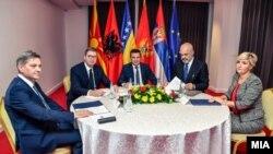 Denis Zvizdić, Aleksandar Vučić, Zoran Zaev, Edi Rama i Dragica Sekulić u Ohridu