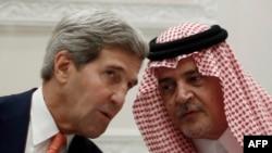 جان کری و سعودالفیصل وزیران خارجه آمریکا و عربستان