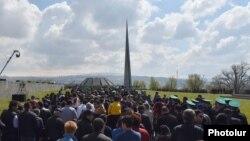 Tsitsernakabert memorialı