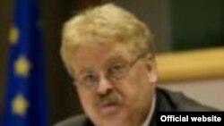Еуропарламенттің сыртқы істер мәселелері комитетінің басшысы Эльмар Брок.