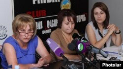 """Armenia - Leaders of the Society Without Violence"""" NGO hold a news conference on domestic violence, Yerevan, 30Jul2013."""
