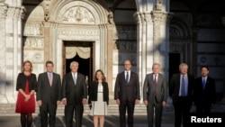 Pjesëmarrësit në takimin e G7-të në Itali