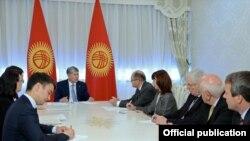 Встреча Алмазбека Атамбаева с Федеральным министром продовольствия и сельского хозяйства Германии Кристианом Шмидтом