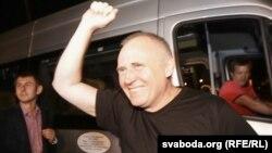 Михаил Статкевич после освобождения из тюрьмы