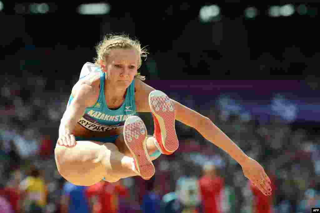 Казахстанские легкоатлеты 12 лет спустя завоевали еще одно олимпийское золото. Ольга Рыпакова прыгнула дальше всех в тройном прыжке и завоевала золото.