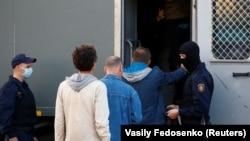بازداشت شماری از معترضین از سوی پولیس بلاروس