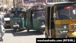 Рикші (візки) на вулицях Пакистану (фото архівне)