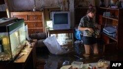 Затопленный дом в поселке Красная Речка в Хабаровском крае