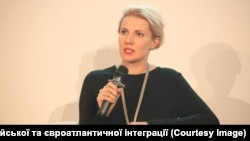 Керівник аналітичної групи з питань гібридної війни Українського кризового медіацентру Любов Цибульська