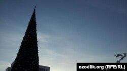 Новогодняя Елка на площади «Мустакиллик» в Ташкенте.
