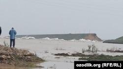 Утром 1 мая в Узбекистане произошел прорыв одной из дамб Сардобинского водохранилища в Сырдарьинской области Узбекистана.