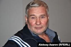 Поп-арт шебері Геогрий Трякин-Бухаров. Алматы, 9 қазан 2011 жыл.