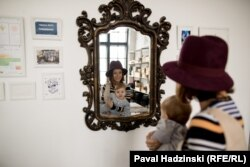 Тацяна Шчуко, заснавальніца праекту #мамскіятанцы, з дачкой Варварай,