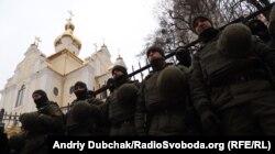 Правоохоронці під Солом'янським судом, Київ, 22 лютого 2018 року