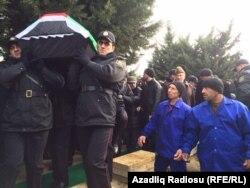 Nardaranda öldürülən polislər dəfn edilir