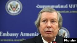 Сопредседатель Минской группы ОБСЕ от США Джеймс Уорлик (архив)