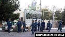 Türkmenistan. Polisiýa işgärleri