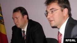 Alexandru Tănase şi Vladimir Grosu