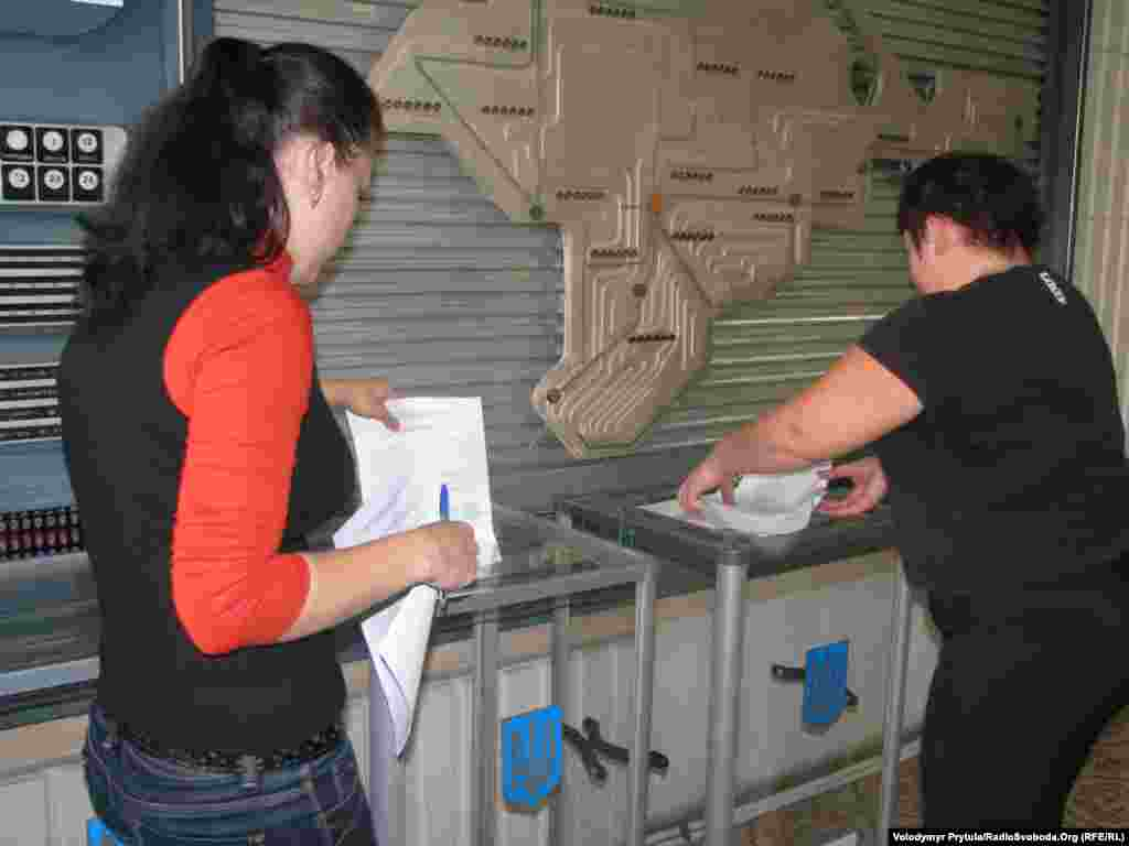Voting in Simferopol, Crimea.