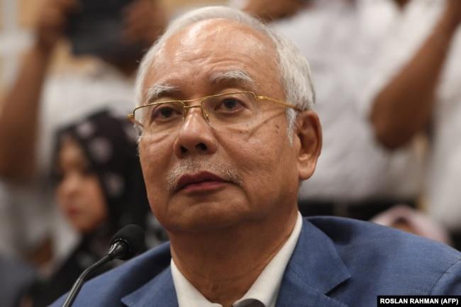 Malayziyanıñ bwrınğı prem'er-ministri Nadjib Razak.