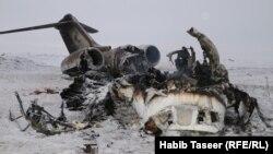 طیاره نظامی امریکایی که در ولایت غزنی سقوط کرد.