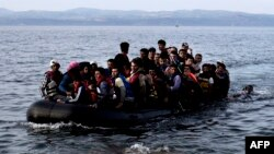 Հունաստան – Փախստականները հասնում են հունական Լեսբոս կղզի՝ հատելով Էգեյան ծովը փչովի նավակով, արխիվ, 9-ը սեպտեմբերի, 2015թ․