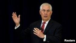 Рекс Тіллерсон (на фото) пообіцяв нові санкції проти Тегерана