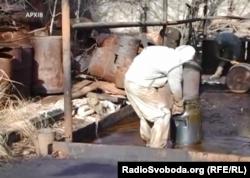 Ізраїльські хіміки вивозять небезпечні речовини з Горлівського хімзаводу