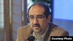 كيان تاجبخش عصر روز پنجشنبه، ۱۸ تيرماه، براى دومين بار ظرف دو سال گذشته از سوى نيروهاى امنيتى جمهورى اسلامى ايران بازداشت شد.
