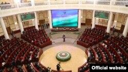 Заседание депутатов Олий Мажлиса Узбекистана.