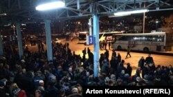 Pamje nga Stacioni i autobusëve në Prishtinë, prej nga nisen qytetarë të nga Kosova për në Serbi e Hungari...