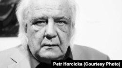 Письменник і один із засновників дисидентського руху, який провів у радянських в'язницях понад десятиліття Володимир Буковський