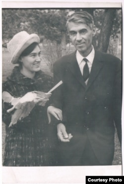Елена и Павел Зальцманы. Алма-Ата, 1970
