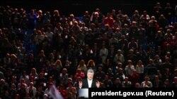 Președintele în funcție, Petro Poroșenko, la un miting electoral, la Kiev, de luna trecută
