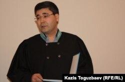 Мухтар Амиров, судья Алмалинского суда. Алматы, 27 января 2014 года.