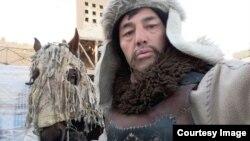 Пейман Абишулы, живущий в Иране этнический казах, участвующий в съемках сериала.