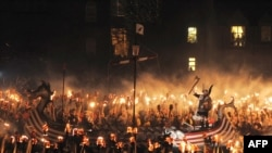Britaniyanın Şetland adasında Viking festivalı