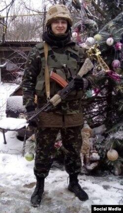 Станислав Краснов в Песках, недалеко от донецкого аэропорта, декабрь 2014 года.