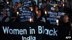 Protesta në Nju Delhi, në mbështetje të grave.