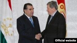 Tajik President Emomali Rahmon welcomes Richard Holbrooke to Dushanbe.