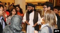 Талибанан делегацина коьртехь волуСтаникзаи Шер Мохьаммад Iаббас. Катар, ДохIа. 8Товб.2019